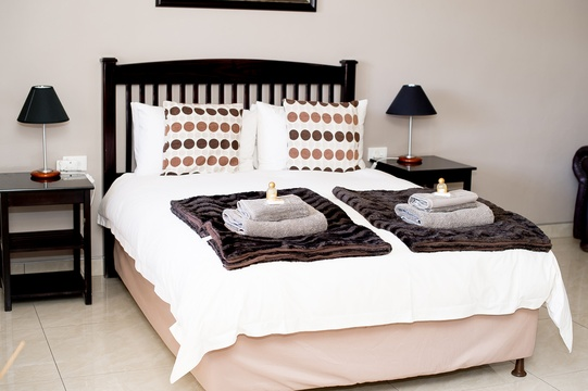 At Kleinplasie we believe in good quality beds and linen. Guest amenities supplied.