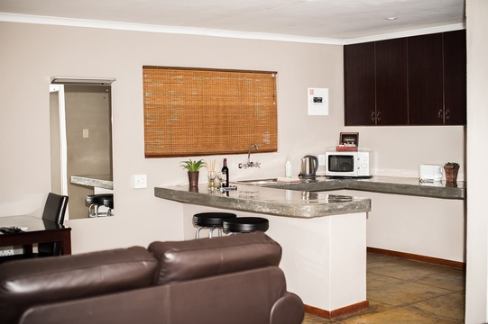All our twin bed chalets have well equipped kitchenettes and comfortable couches.
